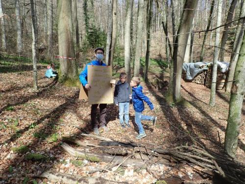 Händler im Wald