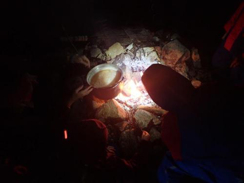 Punsch über Feuer